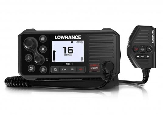 A real all-rounder! Lowrance 's Link-9 VHF radio has an integrated GPS antenna, a built-in AIS receiver and boasts versatile connectivity. A large display with an intuitive user interface ensures clear and simple operation.  (Afbeelding 2 of 3)