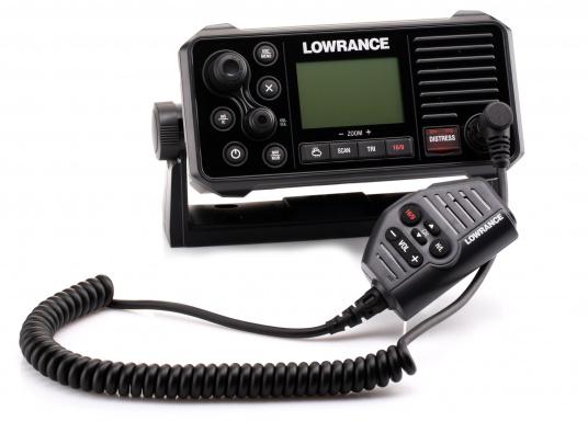 Ein echter Alleskönner! Das UKW SeefunkgerätLink-9 von Lowrance verfügt über eine integrierte GPS-Antenne, einen integrierten AIS-Empfänger und überzeugt mit vielseitiger Konnektivität. Ein großes Display mit intuitiver Benutzeroberfläche sorgt für eine übersichtliche und einfache Bedienung. (Bild 6 von 11)