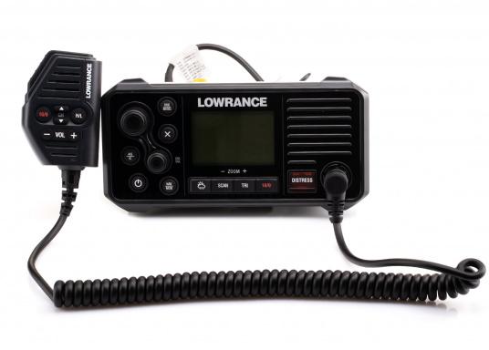 Ein echter Alleskönner! Das UKW SeefunkgerätLink-9 von Lowrance verfügt über eine integrierte GPS-Antenne, einen integrierten AIS-Empfänger und überzeugt mit vielseitiger Konnektivität. Ein großes Display mit intuitiver Benutzeroberfläche sorgt für eine übersichtliche und einfache Bedienung. (Bild 8 von 11)
