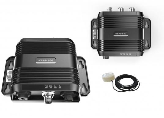 AIS-Transponder NAIS-500 inkl. NSPL-500 Splitter von Navico.Im Lieferumfang sind folgende Komponenten enthalten: AIS-Transponder NAIS-500, NSPL-500 Antennensplitter, GPS-Antenne GPS-500, 1,8 m NMEA2000 Kabel sowie ein NMEA2000 T-Stück.