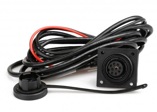 Le pilote de barre franche SIMRAD TP32 affiche un maximum de performance pour un minimum de consommation. Puissant et fiable il assure un excellent contrôle de la barre.  (Image 6 de 7)