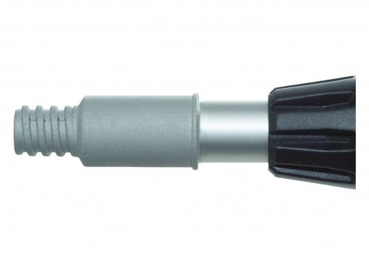 Der Aluminiumstiel ist vierfach ausziehbar und hat einen Wasserdurchlauf mit Metallgewinde, sowie einen verstärkten An / Aus Wasserschalter. Teleskopierbar von 190 cm auf max. 580 cm. (Bild 2 von 3)