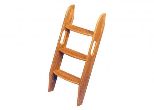 Optisch schöne und aus hochwertigen Teak bestehende Treppe. Lieferbar in verschiedenen Größen.