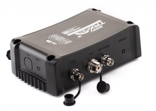 Der Class B AIS-Sender/Empfänger easyTRX3 von Weatherdock überzeugt mit neusten Innovationen: 5 W Sendeleistung, schnellere Übertragungsrate der AIS Protokolle und SOTDMA-Technologie. Der AIS-Transceiver besteht aus einem robusten, kompakten und wasserdichten Gehäuse und gewährleistet, dass permanent parallel auf beiden AIS-Frequenzen gesendet und empfangen wird. Das Gerät verfügt über einen integrierten Splitter, eine integrierte GPS-Antenne und ein DVBT-Modul.