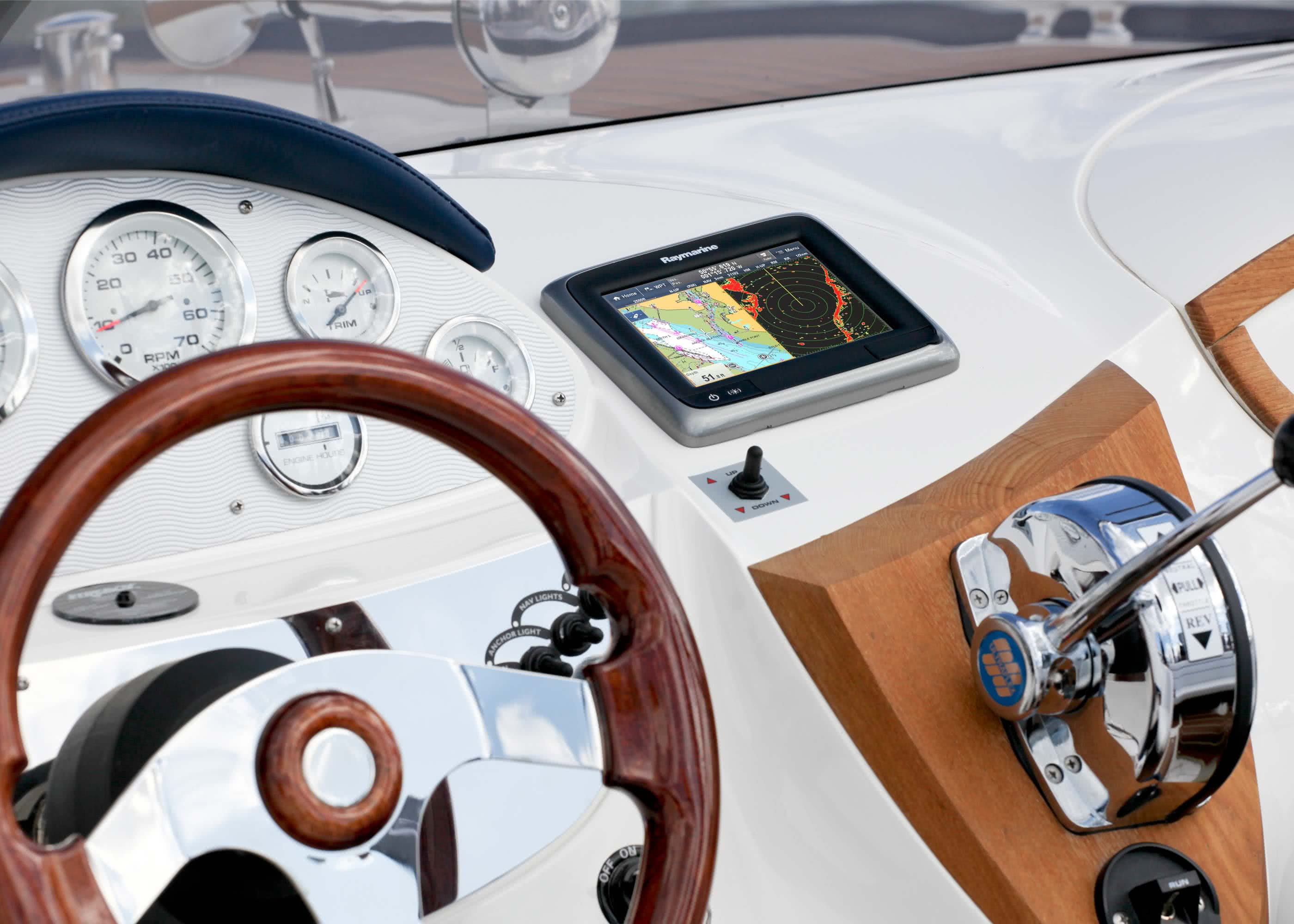 16056_Raymarine_Multifunktionsdisplay_a67_4.jpg