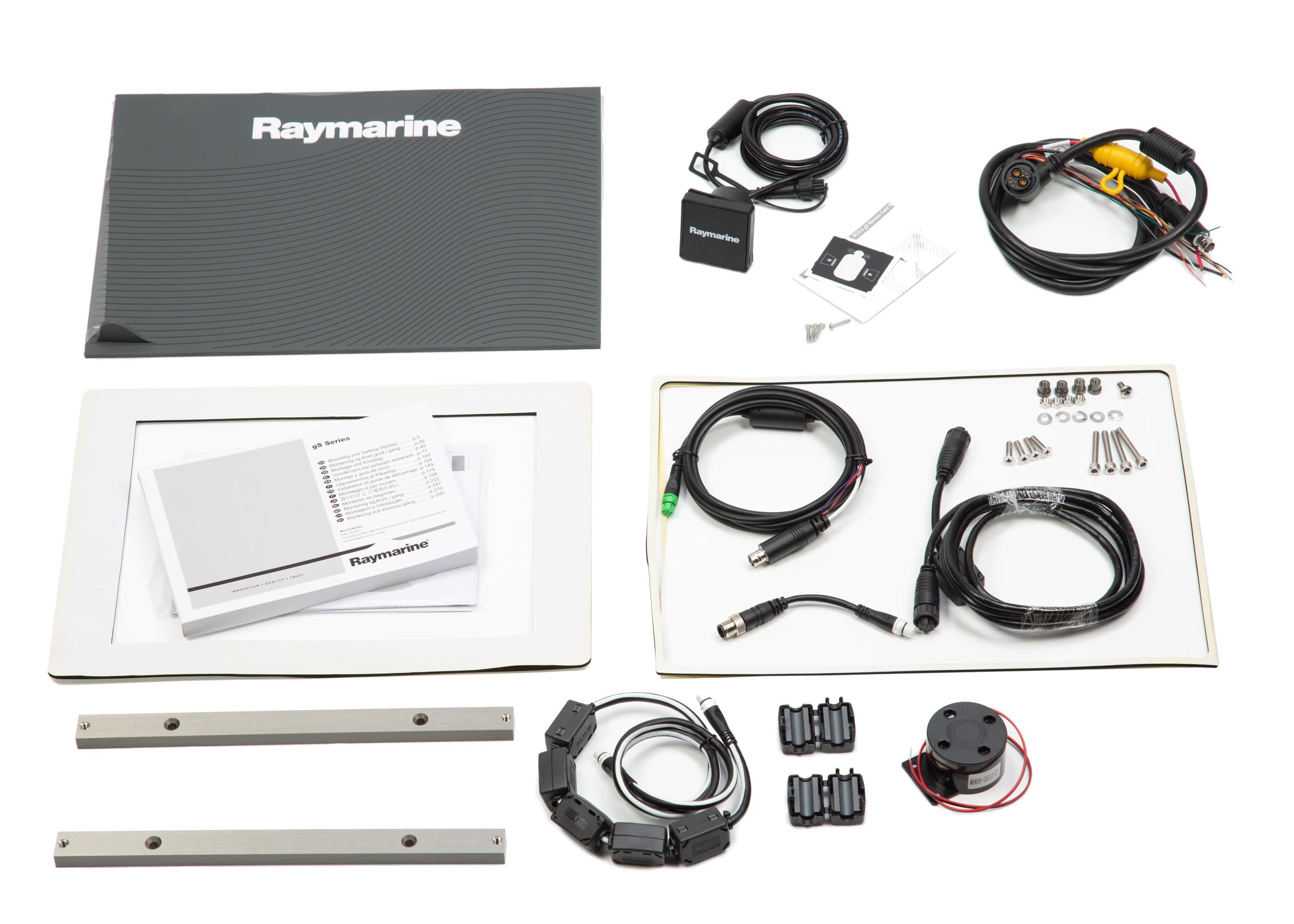 24822-Raymarine-Glass-bridge-MFD-gS165-15,4-touchscreen-1.jpg