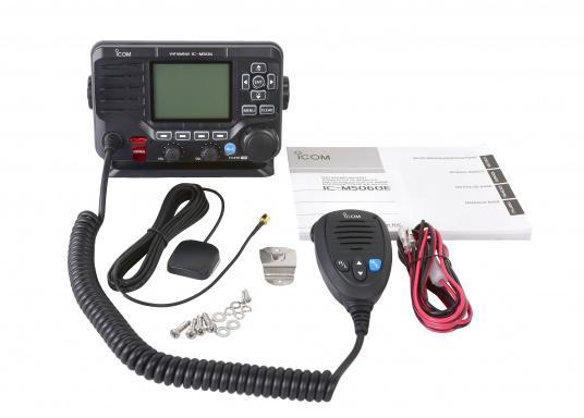 Das hochwertige UKW-Marinefunkgerät IC-M506GE von ICOM verfügt über einen integrierten GPS- und AIS-Empfänger und überzeugt mit hervorragenden Funktionen, die Ihnen die Kommunikation auf dem Wasser vereinfachen.NMEA2000-Konnektivität. (Bild 5 von 5)