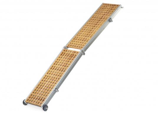 Diese Holz-Gangway ist nicht nur schön, sondern auch außerordentlich innovativ und praktisch. (Bild 2 von 4)