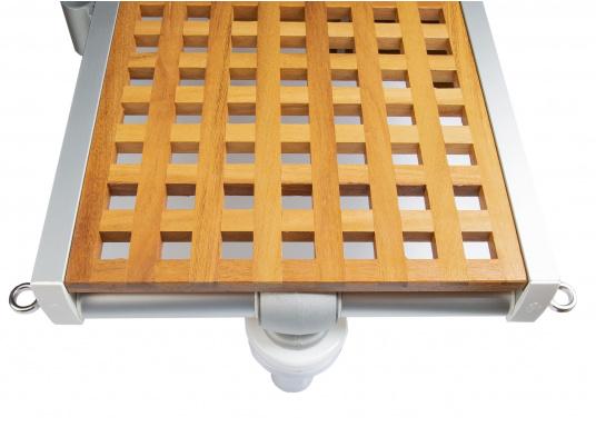 Diese Holz-Gangway ist nicht nur schön, sondern auch außerordentlich innovativ und praktisch. (Bild 4 von 4)