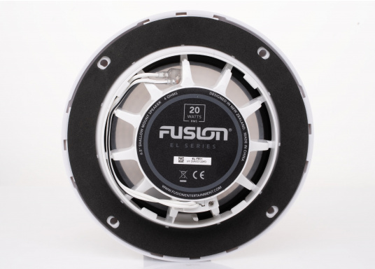 Die neu konzipierten Marine-Lautsprecher EL-F651 von FUSION wurden bieten eine hochwertige Audiowiedergabe und sind optiomal für maritime Umgebungen geeignet. Das flache Design bietet eine Vielzahl an Montagemöglichkeiten. Farbe: weiß. (Bild 3 von 5)