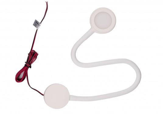 Ideal für den Navigationsplatz oder die Kajüte an Bord! Die flexible LED-Leseleuchte VOLOS ist stufenlos dimmbar, bietet eine hohe Lichtleistung und verfügt über zwei USB-Buchsen. Über die USB-Ports können Sie Ihr Smartphone oder Tablet aufladen. Spannung: 12 V. Farbe: weiß. (Bild 8 von 8)