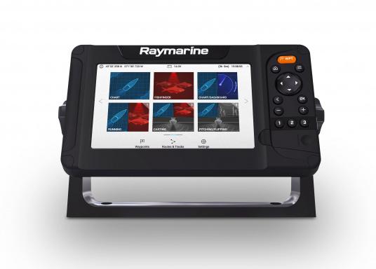 """Smartes 7""""-Multifunktionsdisplay mit benutzerfreundlicher Bedienoberfläche und integrierter GPS-Antenne. Eine klassische Tastenbedienung und die Raymarine LightHouse Sport Oberfläche sorgen für eine intuitive Bedienung des Geräts. Mit eingebauter HyperVision-Sonartechnologie für eine herausragende Bildqualität der Unterwasserwelt. Lieferung inklusive HV-100 Geber. (Bild 2 von 10)"""