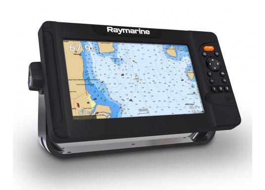 """Smartes 9""""-Multifunktionsdisplay mit benutzerfreundlicher Bedienoberfläche und integrierter GPS-Antenne.Auf einen Touchscreen wurde bewusst verzichtet, da die klassische Tastenbedienung in Verbindung mit der Raymarine LightHouse Sport Oberfläche auch bei schnellen Fahrten und starken Seegang für eine intuitive und präzise Bedienung des Gerätes sorgt. (Bild 4 von 5)"""
