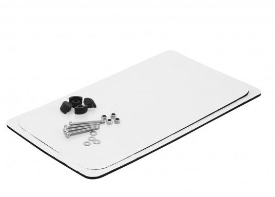"""Passendes Einbau-Kit für das 7"""" Display der Element-Serie von Raymarine."""