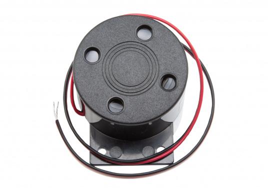 Die perfekte Ergänzung zu Ihrem Axiom XL-Display von Raymarine. Das Zubehör-Kit enthält:   1x GPS-Antenne GA150  1x SD-Kartenleser  1x Alarmsummer   (Bild 5 von 6)