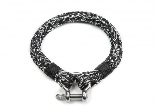 "The ""Halyard"" wristband is made of sailing rope and sets the trend. The bracelet is available in black-white, mottled rope. They are handmade and braided. Make a statement!"