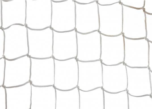 Guard rail netting made of knotted polyester, with a mesh size of 55 mm.