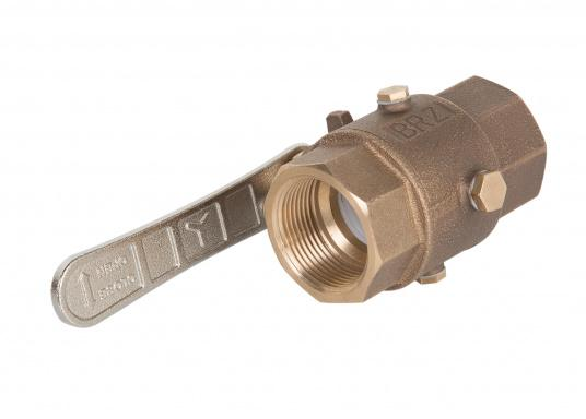 Bronze ball valve. To prevent frost damage, the water contained in the ball valve can be easily drained through the drainage hole.  (Imagen 4 of 4)