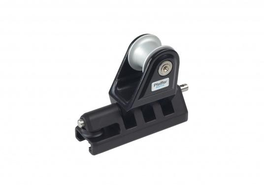 Pfeiffer Marine Genoa slide NEW LINE with stand-up block, 1 eyebolt and 1 sheave for T-tracks 32 x 6 mm.