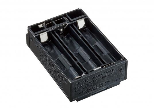 Hier finden Sie ein originiales und passendes Batterie-Leergehäuse für das Handfunkgerät HX890 von STANDARD HORIZON. Bestückt wird das Gehäuse mit 5x AAA Alkaline-Batterien.