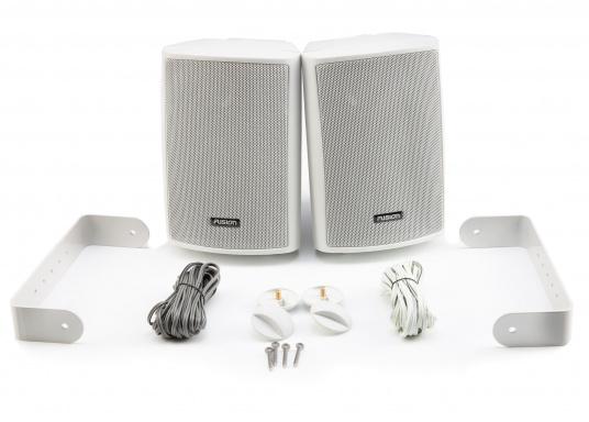 Die Aufbaulautsprecher MS-OS420 von FUSION eignen sich hervorragend für den Außenbereich und überzeugen mit kraftvollen Sound. Dank der verstellbaren Montagehalterung können die Lautsprecher einfach und überall montiert werden. Spitzenleistung: 100 W. (Bild 4 von 4)