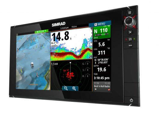 The NSS16 evo2 from SIMRAD combines an easy-to-use, 7-inch chartplotter/multifunction display with built-in GPS positioning, StructureScan® HD, CHIRP-enabled broadband sonar, and powerful expansion capabilities. Standalone in a centre console or fully integrated in a modern glass bridge, the widescreen NSS16 evo2 is well suited to sportfishing and power boats. (Imagen 3 of 10)