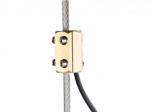 Die Achterstagsklemmen sind für den Anschluss am isolierten Achterstag ausgelegt und bieten eine wasserdichte Verbindung für das Hochspannungskabel (GTO-15). Lieferung inklusive Schrauben. (Bild 6 von 6)