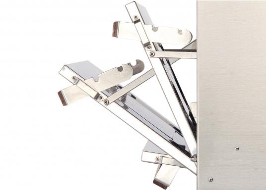 Robust und qualitativ hochwertig! Der FORCE10 Gaskocher mit Backofen besteht aus Edelstahl und verfügt über drei Brenner, einen thermostatisch gesteuerten Ofen mit Grillfunktion, eine elektrische Fremdzündung und eine wegschiebbare Ofentür mit Sichtfenster. (Bild 6 von 7)
