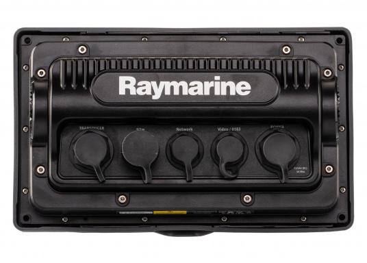 The Raymarine eS78 multifunction display features high-speed processors, a super-bright hybrid touch display and a variety of connectivity options. You have the freedom to choose between the best cartographies and the innovative multi-function knob ensures precise and easy navigation in all weather conditions. (Image 11 of 14)