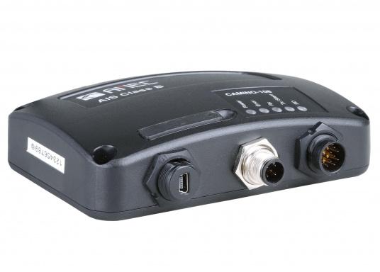 Das Simrad GO9 XSE Kartenplotter-Navigationsdisplay eignet sich optimal zur Funktionserweiterung auf Sportbooten, Kreuzfahrtschiffen und in kleineren Mittelkonsolen mit Plug-and-Play-Unterstützung für Simrad Broadband Radar™ und Halo™ Pulskompressions-Radarsystemen. Lieferung inklusive AIS-Transponder CAMINO-108 inkl. GPS Patch-Antenne und NMEA2000 Starter Kit. (Bild 10 von 17)