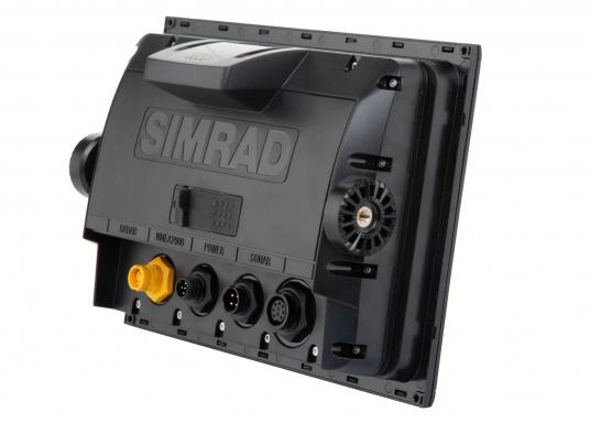 Das Simrad GO9 XSE Kartenplotter-Navigationsdisplay eignet sich optimal zur Funktionserweiterung auf Sportbooten, Kreuzfahrtschiffen und in kleineren Mittelkonsolen mit Plug-and-Play-Unterstützung für Simrad Broadband Radar™ und Halo™ Pulskompressions-Radarsystemen. Lieferung inklusive Broadband 3G Radarantenne und 20 m Kabel. (Bild 4 von 10)