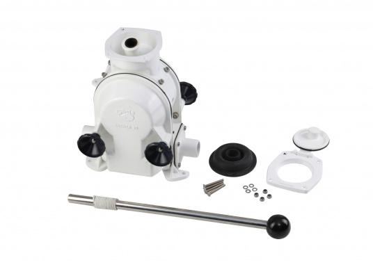 Eine der besten Membran-Handpumpen! Bei geringem Kraftaufwand liefert die Pumpe je nach Schlagzahl eine Pumpkapazität von 71 - 111 Liter in der Minute.  (Bild 5 von 6)