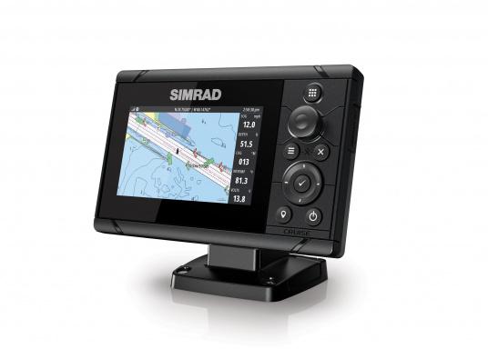 Wie für Angler geschaffen! Der Kartenplotter Cruise 5 von Simrad verfügt nicht nur über die Funktion der detaillierten Navigation, sondern zeigt Ihnen zusätzlich gestochen scharfe Bilder der Unterwasserwelt an.Dank der präzisen Tastensteuerung bedienen Sie die Simrad Cruise Serie auch bei Regen schnell und zuverlässig.
