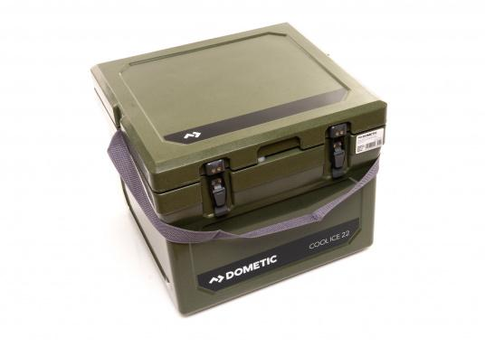 The COOL-ICE WCI 22 from Dometic is the perfect companion in all situations when a power source is missing. Keeps ice frozen for several days. The cooler is made of a thick foam insulation and features a unique labyrinth seal design. Colour: green (Imagen 5 de 5)