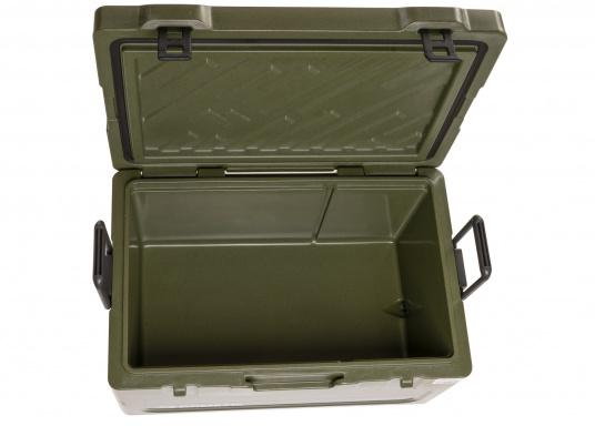 Keeps ice frozen for several days! Thanks to the thick refridgeration grade foam insulation and unique labyrinth seal, this highly efficient and extremely lightweight insulation box means you can have ice-cold drinks even when the temperature outside is high. Colour: green (Image 8 of 8)