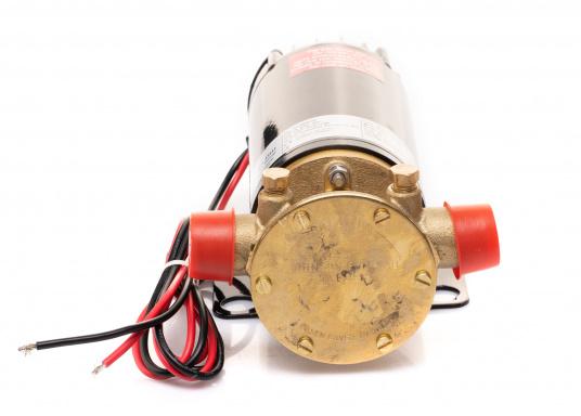 Hervorrangende Impellerpumpe für den Einsatz als Bilgepumpe, Deckwaschpumpe, Feuerlöschpumpe, Frischwasserpumpe und als Öl- oder Dieselpumpe. Förderleistung: 45 l/min. Erhältlich in 12 oder 24 V. (Bild 4 von 8)