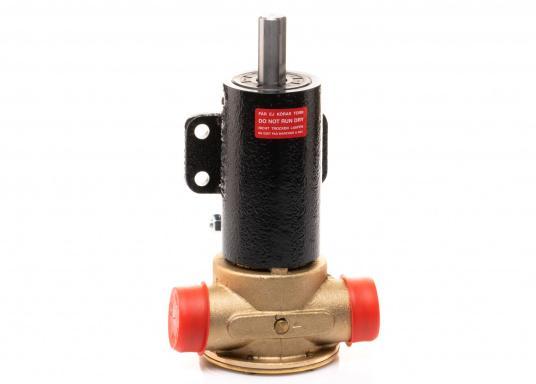 Die Impellerpumpe F7B-3000 ist als Kühlwasserpumpe für Motoren, Lenzpumpe, Spülpumpe und als Pumpe für die Entleerung von Fäkalientanks geeignet. (Bild 2 von 8)