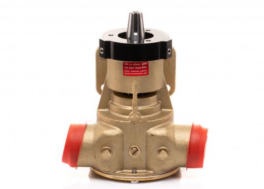 Die Impellerpumpte F8B-5001 von JOHNSON kann als Lenzpumpe, Deckwaschpumpe, Kühlwasserpumpe für Motoren oder auch als Feuerlöschpumpe verwendet werden. (Bild 2 von 8)