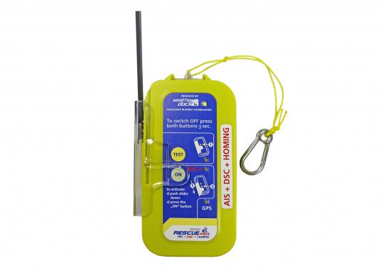 """Rettung naht! Mit dem Notfallsender easyRescue Pro3 werden Ihre Überlebenschancen enorm erhöht. Jedes Schiff mit AIS an Bord kann die """"Live""""-Position der verunglückten Person am PC oder Plotter sehen und eine sofortige Rettungsaktion einleiten. Neben der AIS Alarmierung erfolgt parallel ein DSC distress call sowie die Aussendung eines 121,5 MHz homing Signals. Die Auslösung erfolgt automatisch."""