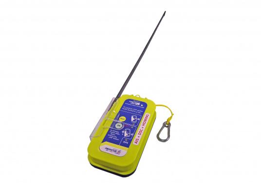 """Rettung naht! Mit dem Notfallsender easyRescue Pro3 werden Ihre Überlebenschancen enorm erhöht. Jedes Schiff mit AIS an Bord kann die """"Live""""-Position der verunglückten Person am PC oder Plotter sehen und eine sofortige Rettungsaktion einleiten. Neben der AIS Alarmierung erfolgt parallel ein DSC distress call sowie die Aussendung eines 121,5 MHz homing Signals. Die Auslösung erfolgt automatisch. (Bild 5 von 8)"""