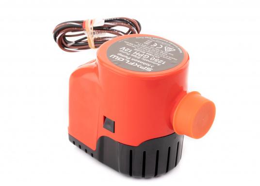 Die Lenzpumpe Ultima 1250GPH von JOHNSON verfügt über hochmoderne mikroelektrische Felder, die ein Vorhandensein von Wasser im Bilgenbereich eines Schiffes erkennt und dieses Wasser daraufhin automatisch abpumpt.Spannung: 12 V. (Bild 4 von 5)
