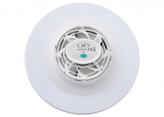 Ventilatore solare molto stabile e piatto, con coperchio in plastica trasparente. Con interruttore integrato per l'accensione e lo spegnimento. (Immagine 4 di 5)