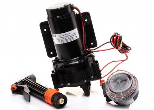 Die AQUA JET WD 5.2 ist eine Membranpumpen mit 5 Kammer-Verdrängungssystem. Diese Pumpe ist die ideale Lösung als Deckwasch- und Reinigungsgerät, da sie 5 bar Druck erzeugt und somit eine schnelle und einfache Reinigung gewährleistet. Spannung: 24 V. (Bild 2 von 6)