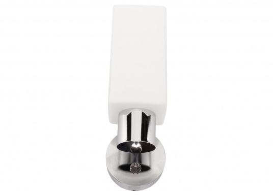 Die LED-Wandleuchte der LEIA-Serie von BATSYSTEM überzeugt mit stielvollen, modernen Design und verfügt über einen integrierten Dimmer, Memory-Funktion und einen Anschluss zum Laden von USB-fähigen Geräten. (Bild 3 von 7)