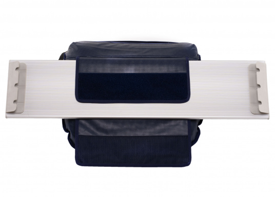 Sit comfortably on board. The Comfort Seat features 40 comforatble sitting positions: from upright to relaxed lying. Both the compact design and the attached Velcro straps make this seat cushion perfect for attaching to a dinghy bench. Available in dark blue and grey. (Image 6 of 6)