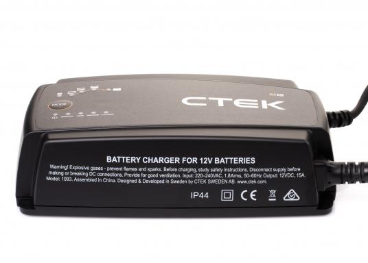 Das robuste und flexible Batterieladegerät M15 von CTEK ist optimal für eine breite Palette von maritimen Batterien geeignet und gewährleistet eine schnelle und effektive Aufladung. (Bild 2 von 7)