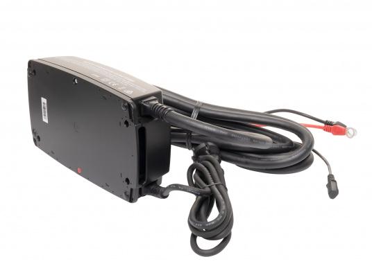 Das leistungsfähige Batterieladegerät M25 von CTEK ist optimal für große maritime Batterien geeignet und gewährleistet eine schnelle und effektive Aufladung. (Bild 2 von 4)
