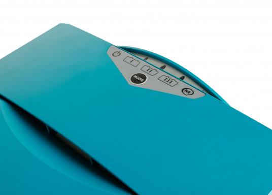 ChargeMaster PLUS ist die nächste Generation der Batterieladegeräte, die zahlreiche Funktionen in einem Gerät vereint.Anzahl der Batterieausgänge: 2 + 1. Ladestrom insgesamt: 60 A. (Bild 5 von 8)