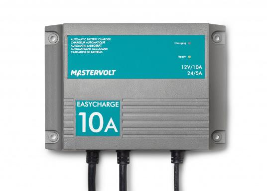 Mit einer Serie kleiner Ladegeräte erweitert Mastervolt seinen Einsteigerbereich.Der Batterielader EasyCharge ist für den 12 sowie 24 V Betrieb geeignet und liefert einen Ladestrom von 10 A. Wird mit Kabelschuhen an der Anschlussleitung zur direkten Befestigung an den Batteriepolen geliefert. Montage: Festmontage.