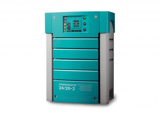 Der ChargeMaster 24V / 20A ist der Beginn einer neuen Generation vollautomatischer Batterielader. Mit diesem multifunktionalen Ladegerät können Sie drei separate Batterien gleichzeitig laden.